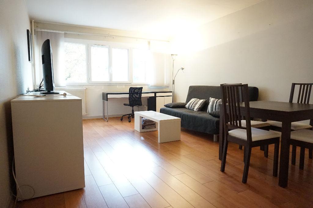 Vente appartement 59000 Lille - Lille Hyper centre - Grand T2 de 59m2 vendu loué
