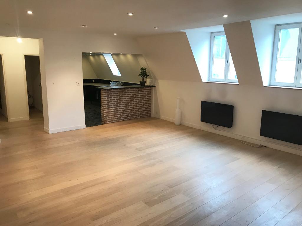Vente appartement 59000 Lille - Type 3 dernier étage en plein coeur du Vieux Lille