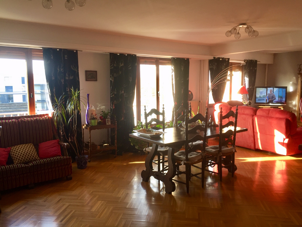 Vente appartement 59000 Lille - Grand Type 3 possibilité Type 4 avec Garage parc jb lebas