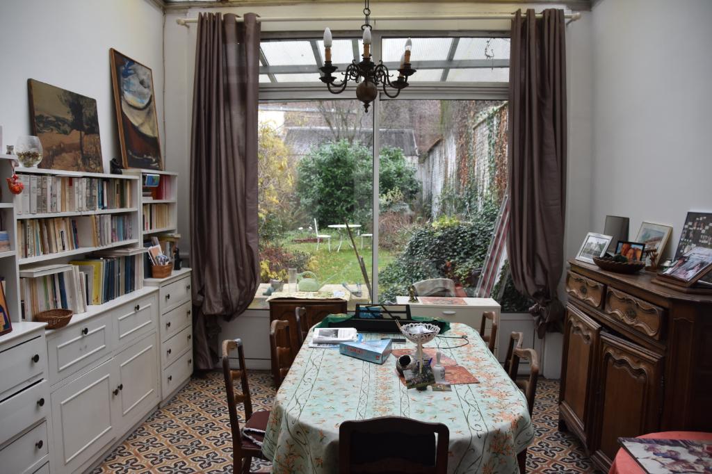 Vente maison 59000 Lille - Maison Bourgeoise République Saint Michel avec jardin
