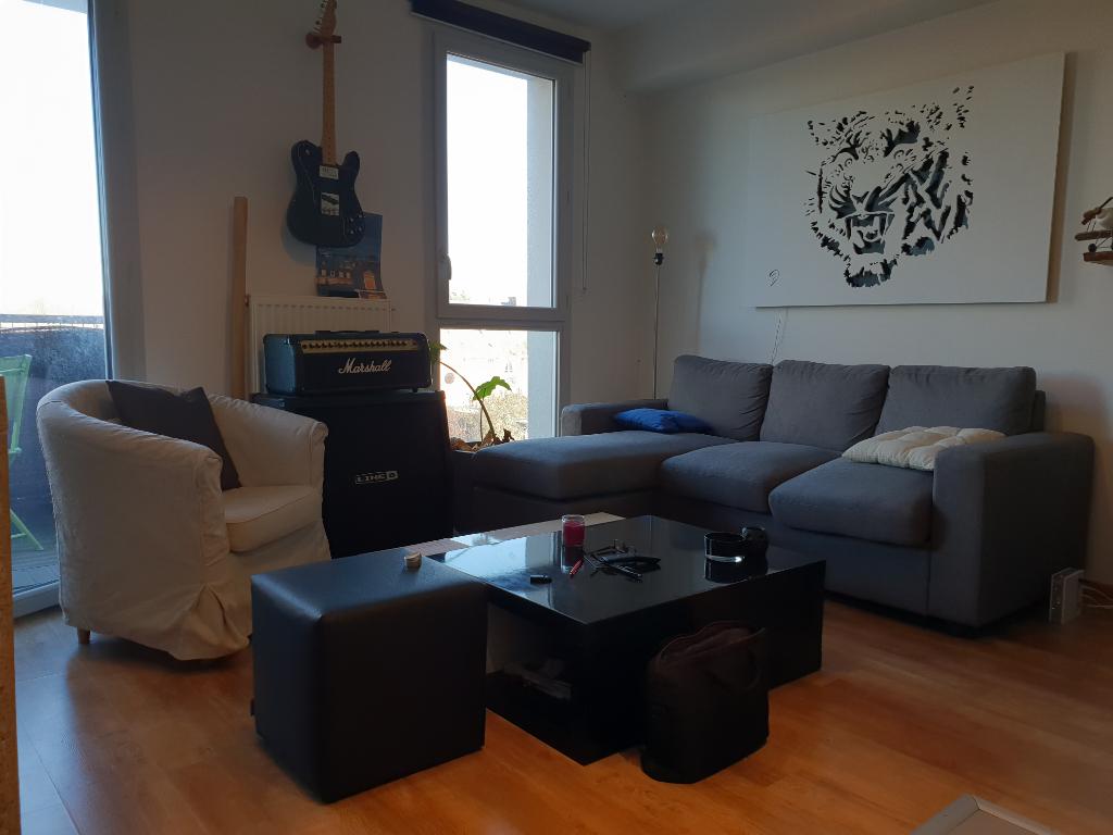 Appartement type 2 avec balcon et parking