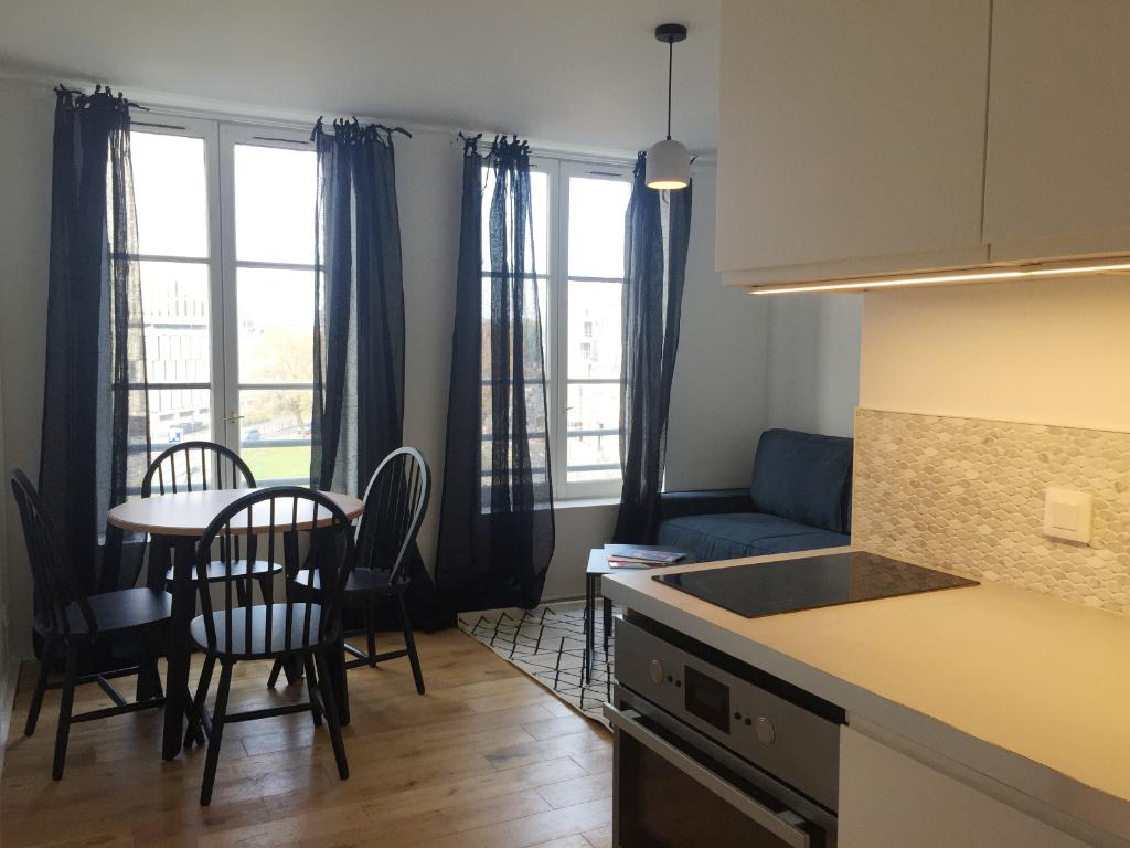Location appartement 59000 Lille - Vieux-Lille - Grand T1 Bis meublé de 28m²