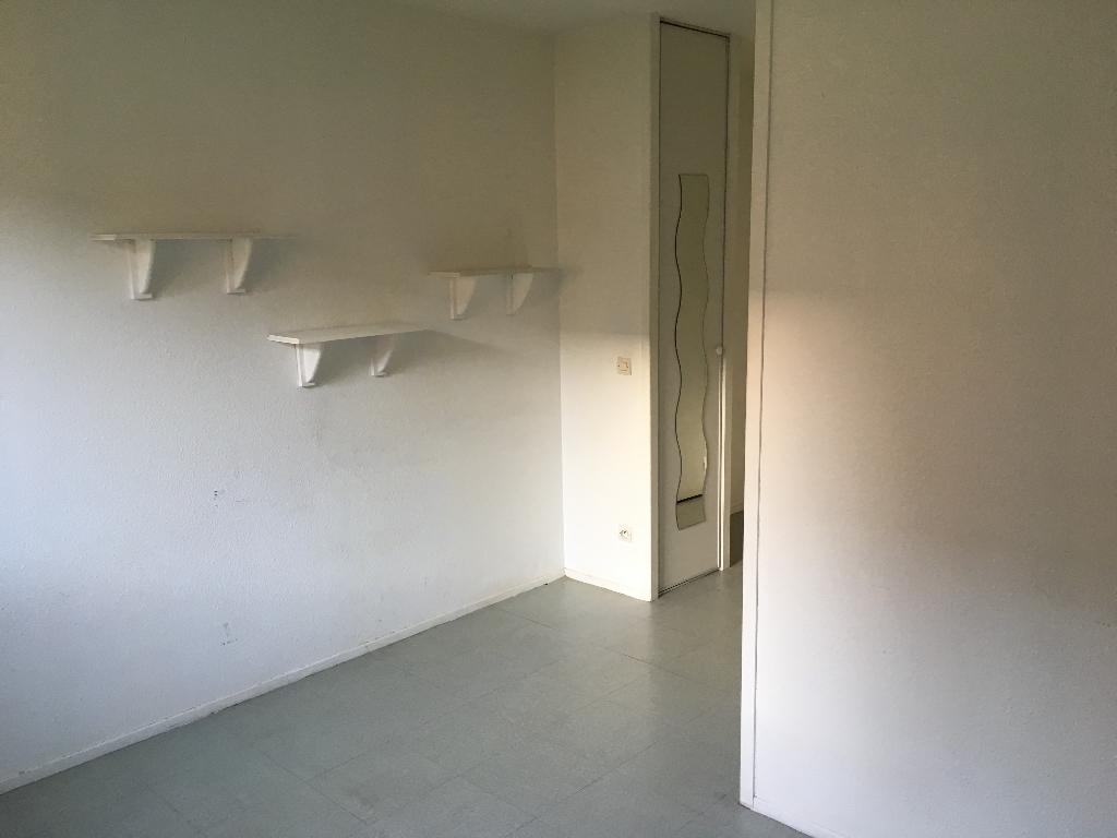 Appartement T1 Non Meublé - Rue d'Iéna