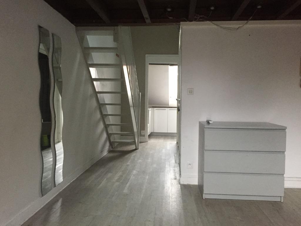Location appartement 59000 Lille - T1 bis de 35 m² - Vieux Lille