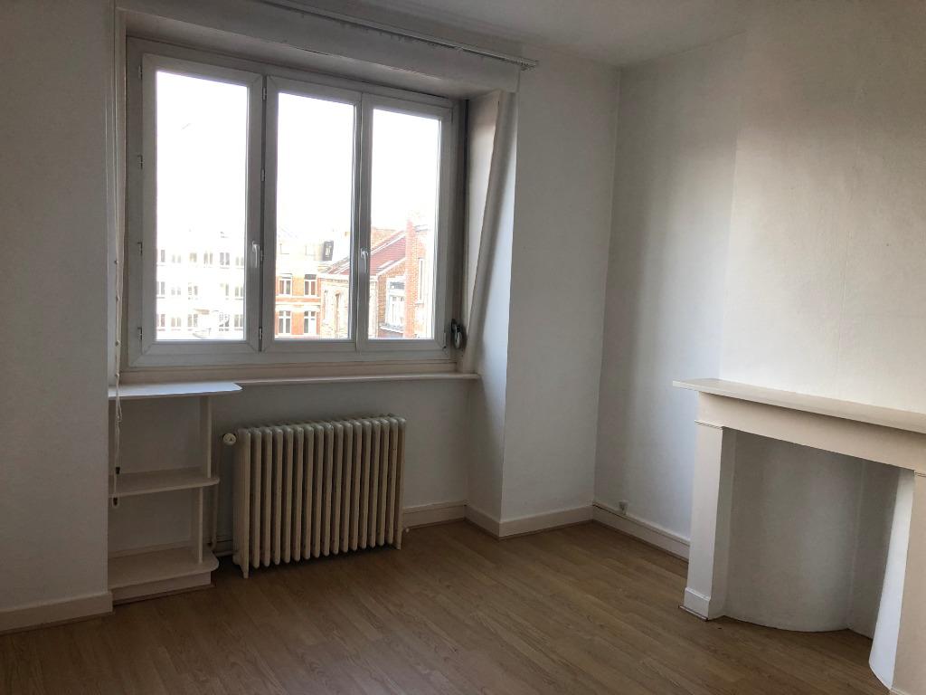 Vente appartement 59000 Lille - Type 2 duplex République beaux arts à rénover