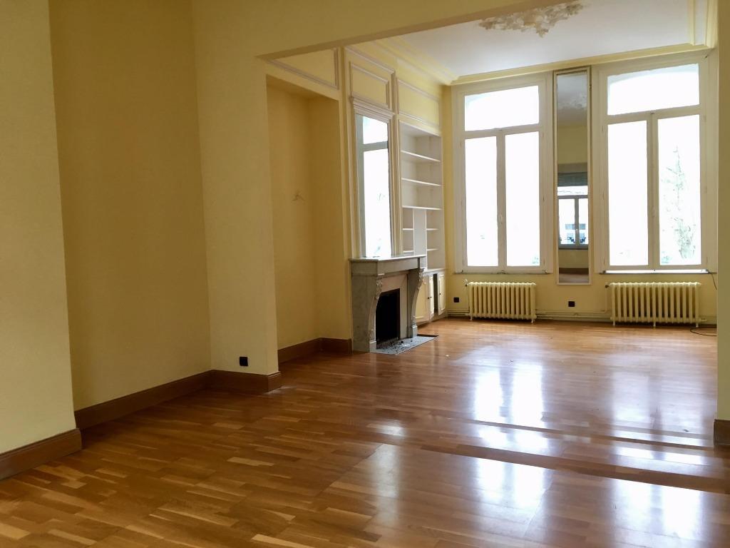 Vente appartement 59000 Lille - Appartement Bourgeois à rénover idéalement placé