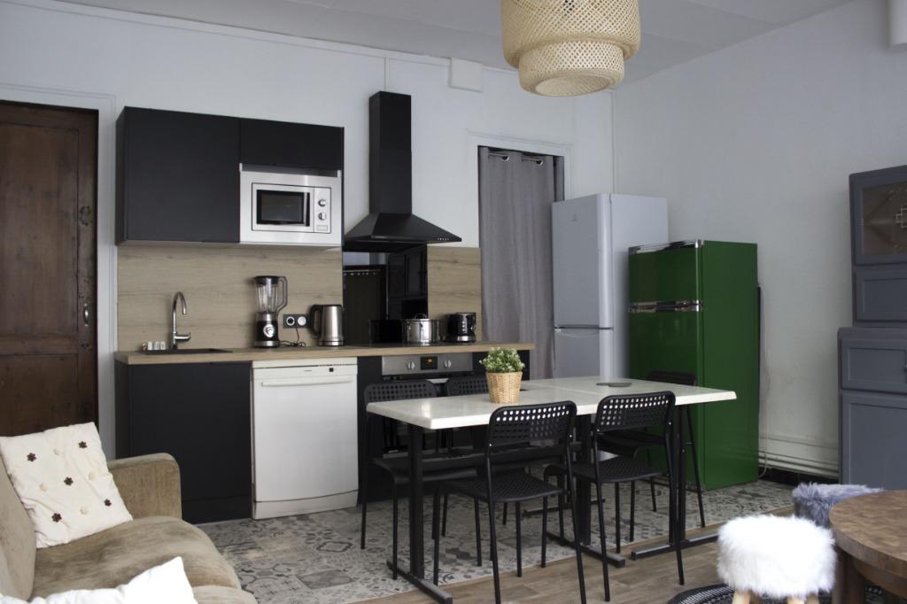 Location maison 59000 Lille - Maison Meublée avec 5 chambres à louer - Rue de Condé