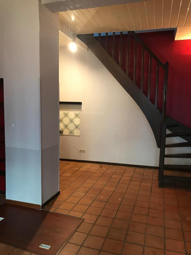 Location maison 59000 Lille - Maison  2 chambres de 60 m² -   Non Meublé - Vieux Lille