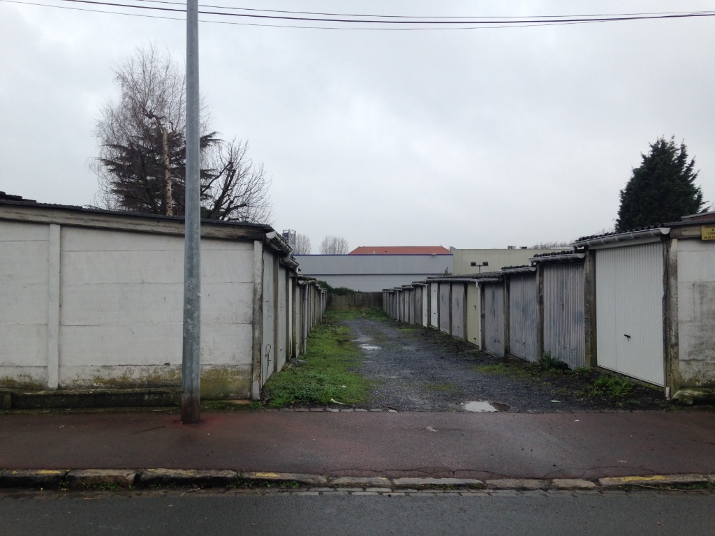 Vente parking 59200 Tourcoing - batterie de 35 garages sur un foncier de 636m2