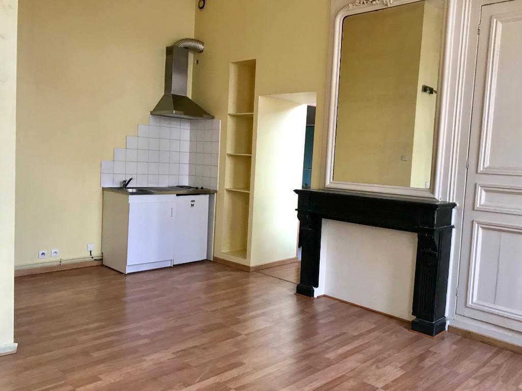 Vente appartement 59000 Lille - Coeur Vieux Lille - Type 2 de 48m2