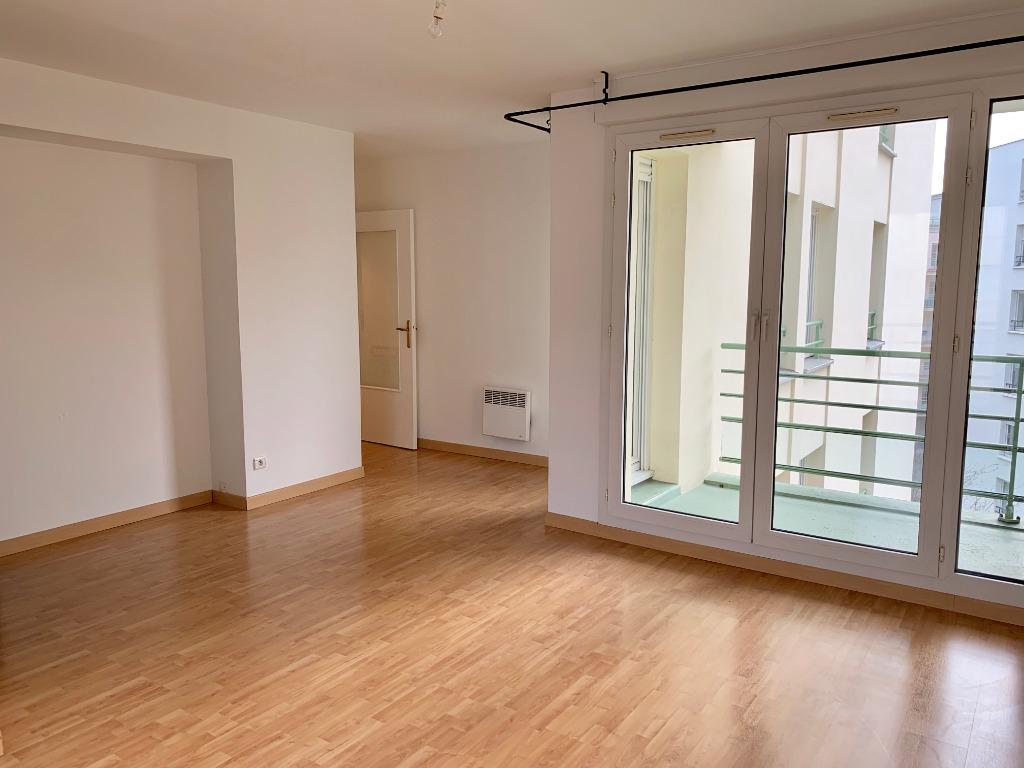 Vente appartement 59000 Lille - VIEUX-LILLE T2 de 47m2 Traversant Balcons, cave et garage