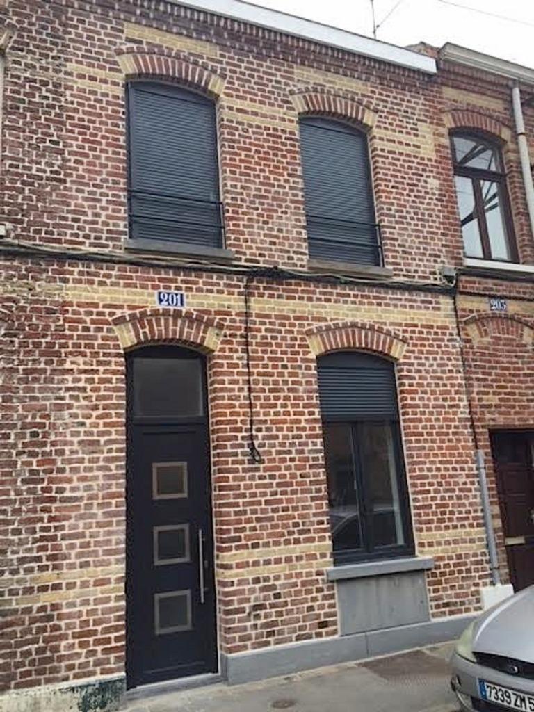 Vente maison 59100 Roubaix - Roubaix limite Croix, maison 3 chambres et cour