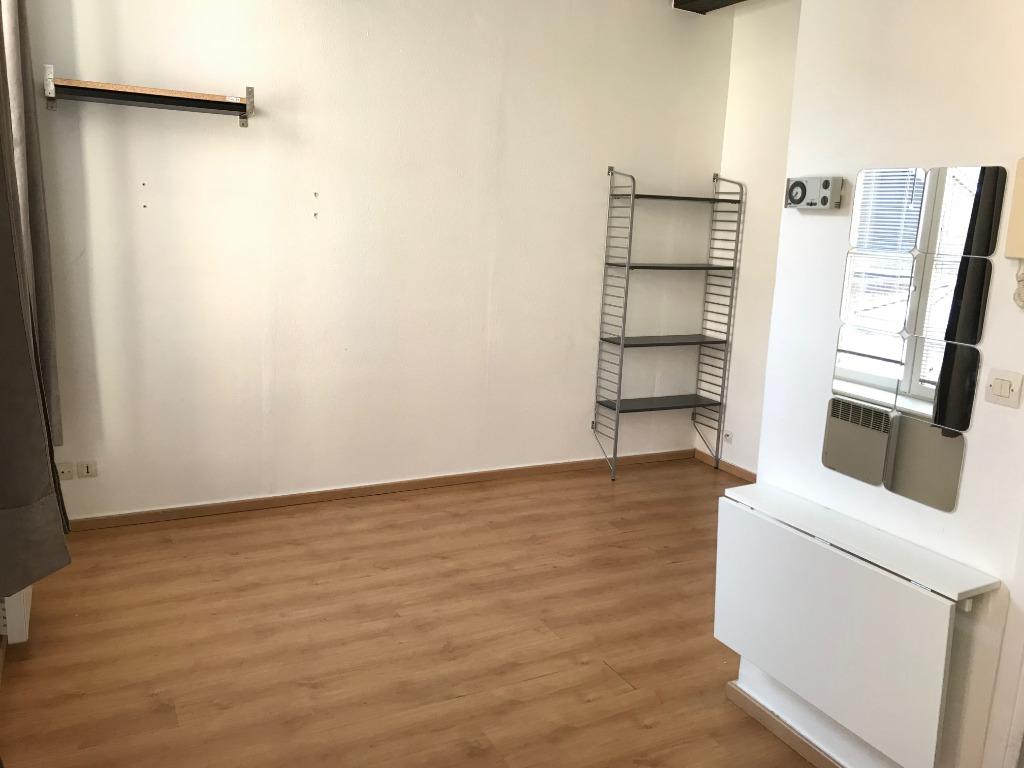 Location appartement 59000 Lille - Studio Place Louise de Bettignies non meublé