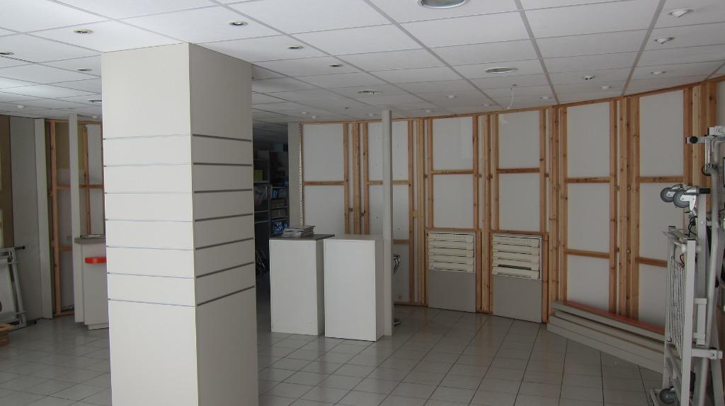 Vente maison 59170 Croix - Cession de murs commerciaux