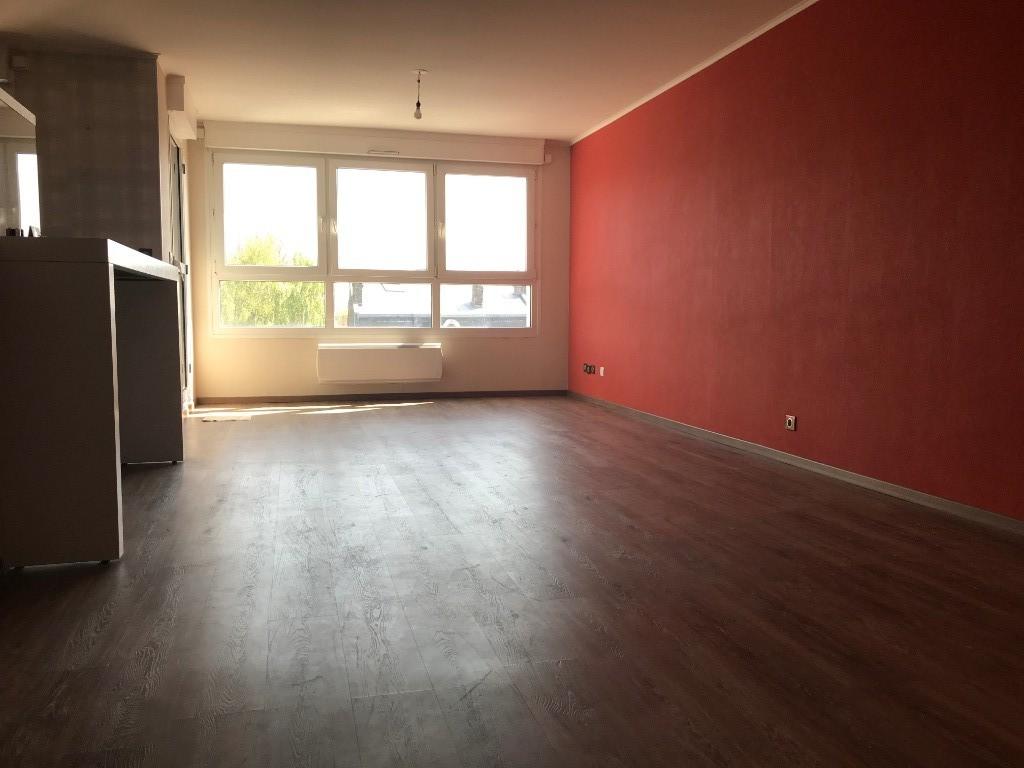 Location appartement 59120 Loos - Lille  - T3 - 80m² - terrasse - garage