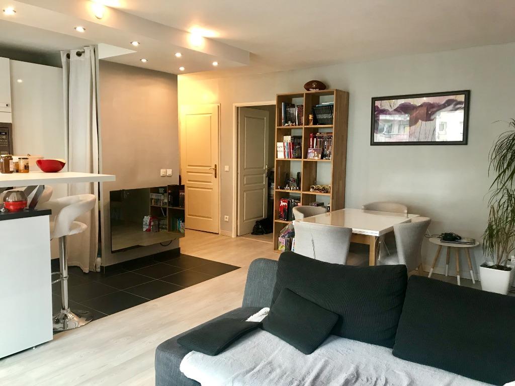 Vente appartement 59000 Lille - VIEUX LILLE - TYPE 3 - BALCON - GARAGE