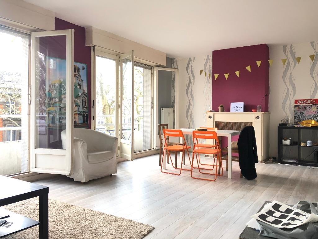 Vente appartement 59000 Lille - Appartement type 4 avec balcons cave et garage