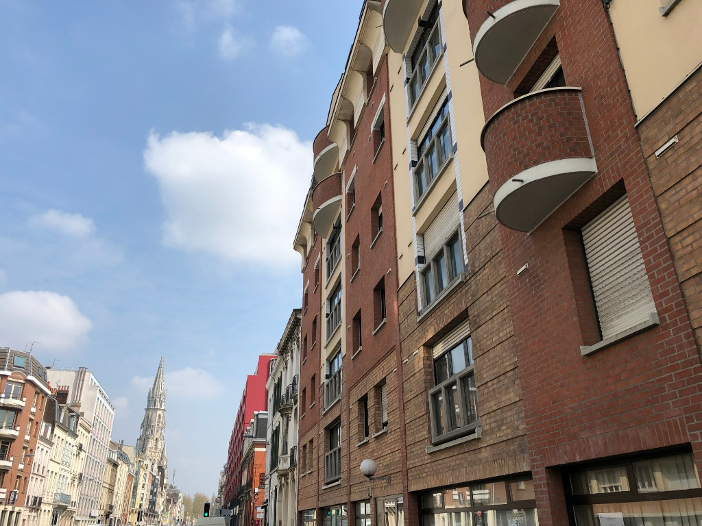 Vente appartement 59000 Lille - Type III avec parking et cave - Rue Nationale