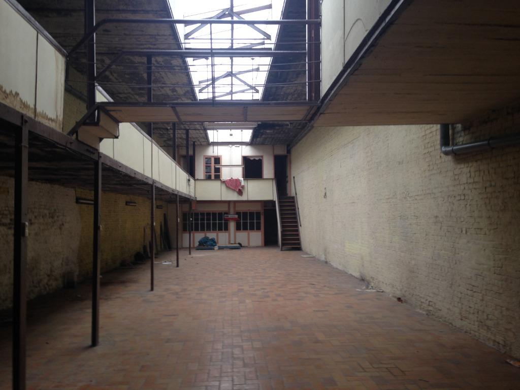 Location maison 59000 Lille - Proximité La Louvière dans environnement commercial dense