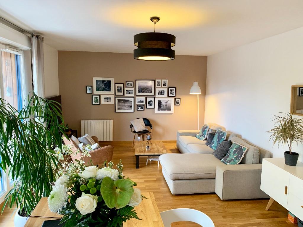 Vente appartement 59000 Lille - Vieux-Lille T4 rénové avec garage, extérieur et cave
