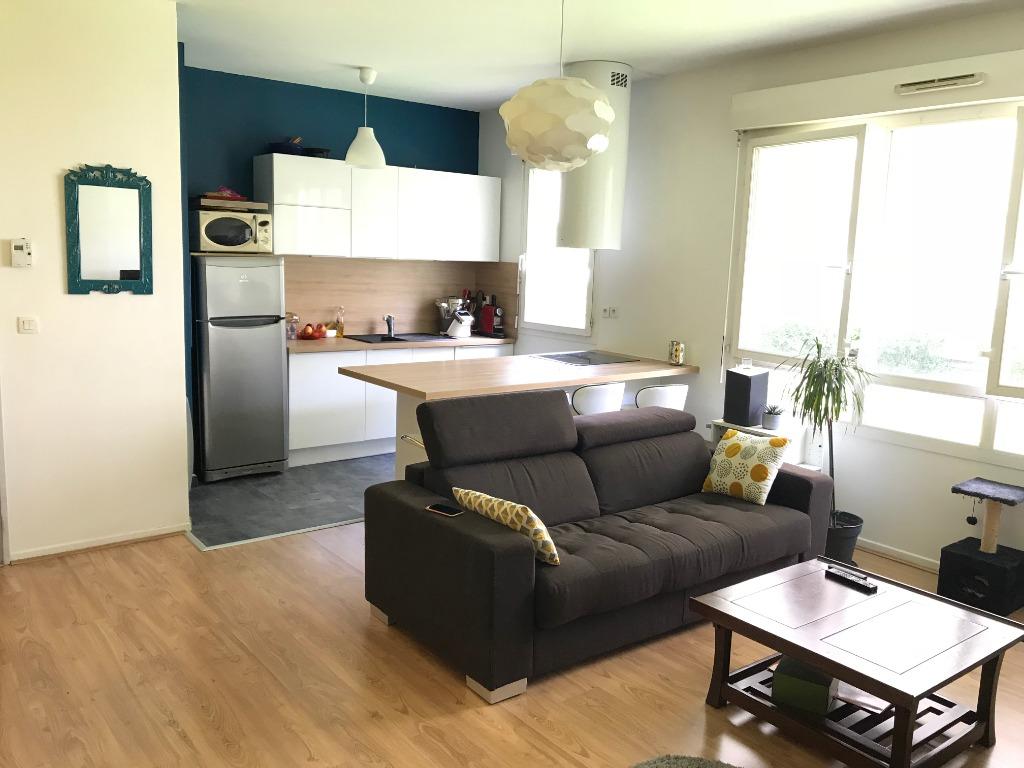 Location appartement 59000 Lille - Beau Type 3 meublé de 67m² rue Nicolas Leblanc avec Parking