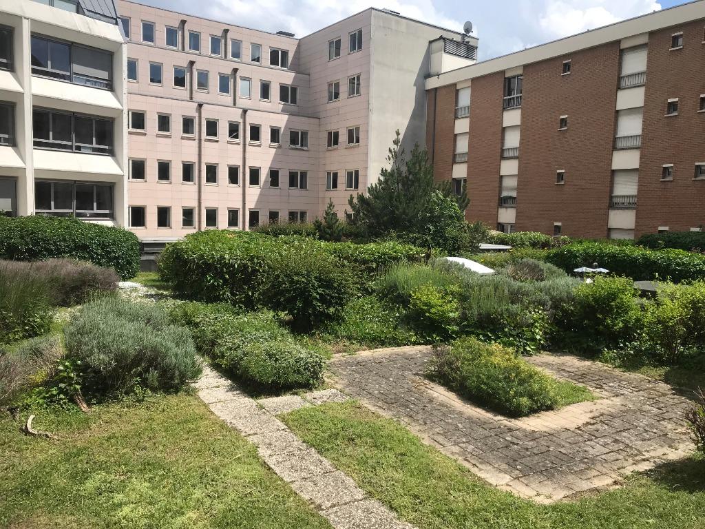 Location appartement 59000 Lille - Place Rihour - Type 3 meublé de 75m² avec parking