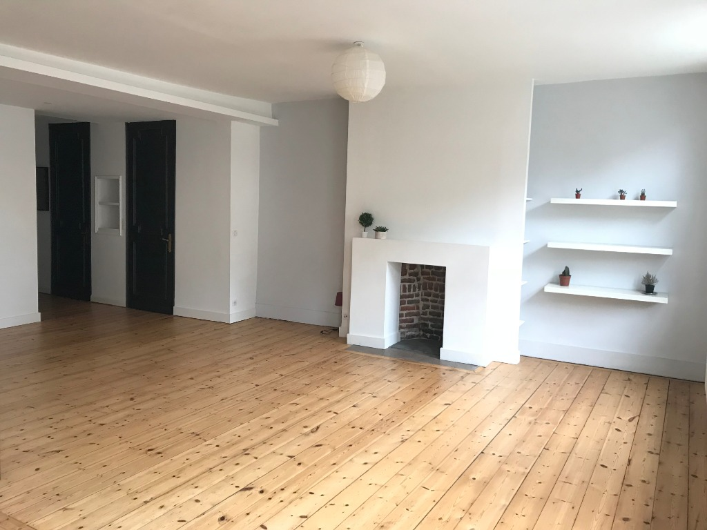 Location appartement 59000 Lille - Lille-Centre : Magnifique T4, non meublé, 105.6 M²