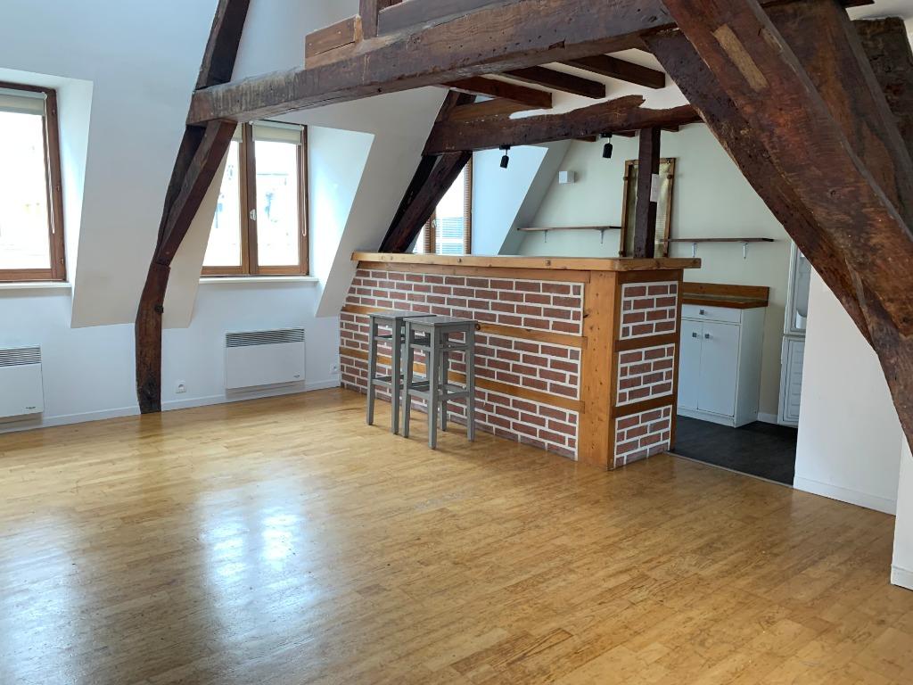 Location appartement 59000 Lille - T2 bis non meublé de 64.26m² dans résidence calme