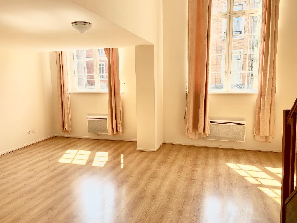 Vente appartement 59000 Lille - T3 en duplex Rue Royale avec parking