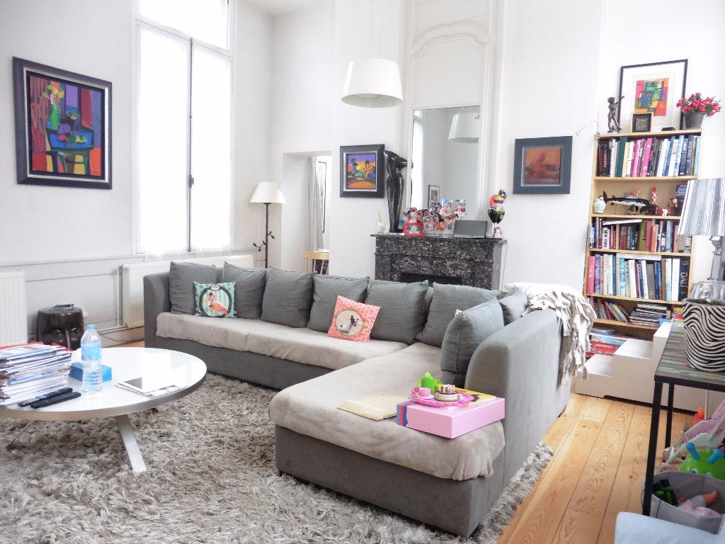 Vente appartement 59000 Lille - Vieux Lille T4 avec terrasse, cave et parking
