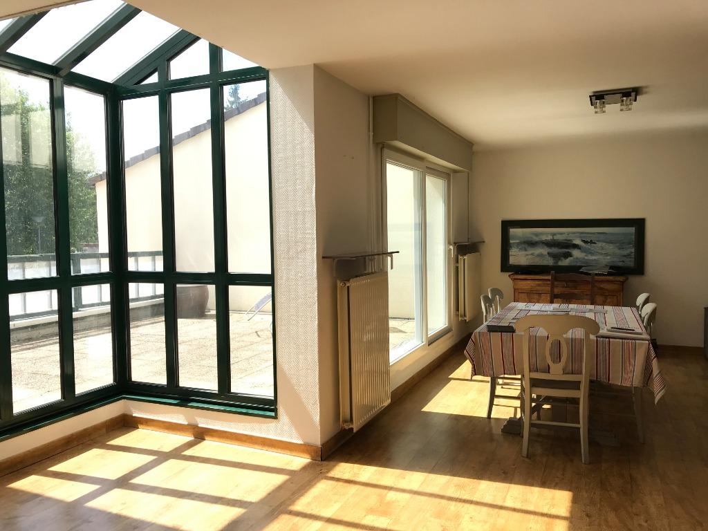 Vente maison 59160 Lomme - Maison 4 chambres, garage et terrasse