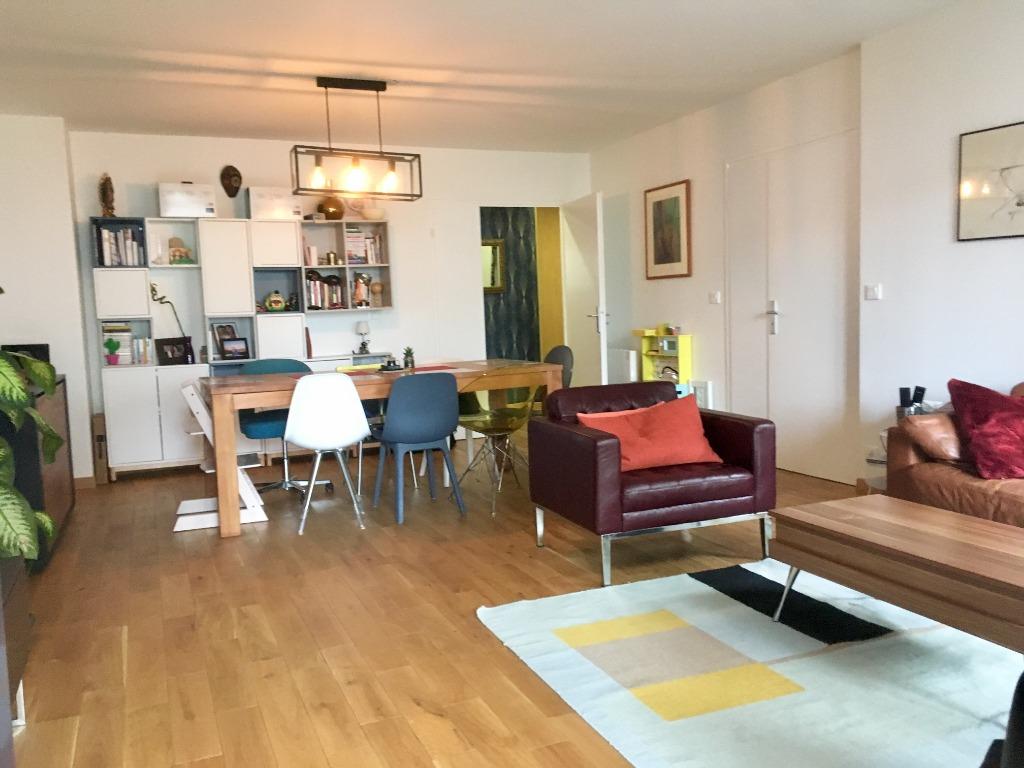 Vente appartement 59000 Lille - Exclusivité Lille centre - Type 4 Terrasse et Garage