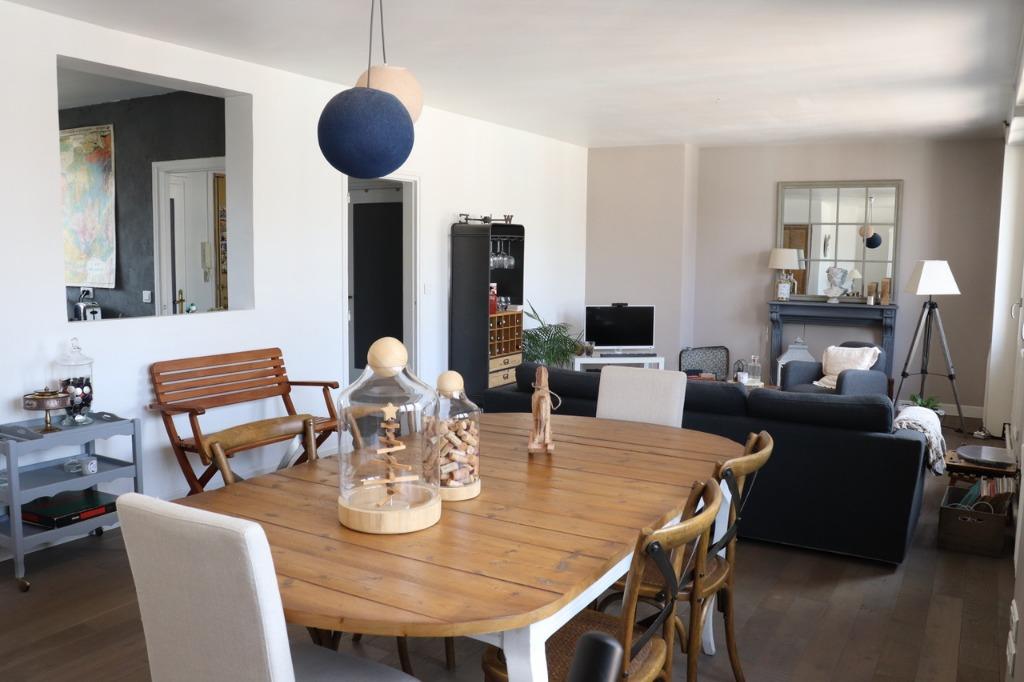 Vente appartement 59000 Lille - Vieux Lille - Type 3 balcon cave et parking