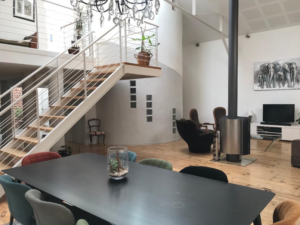 Vente maison 59120 Loos - Rénovation de goût pour ce loft offrant de beaux volumes