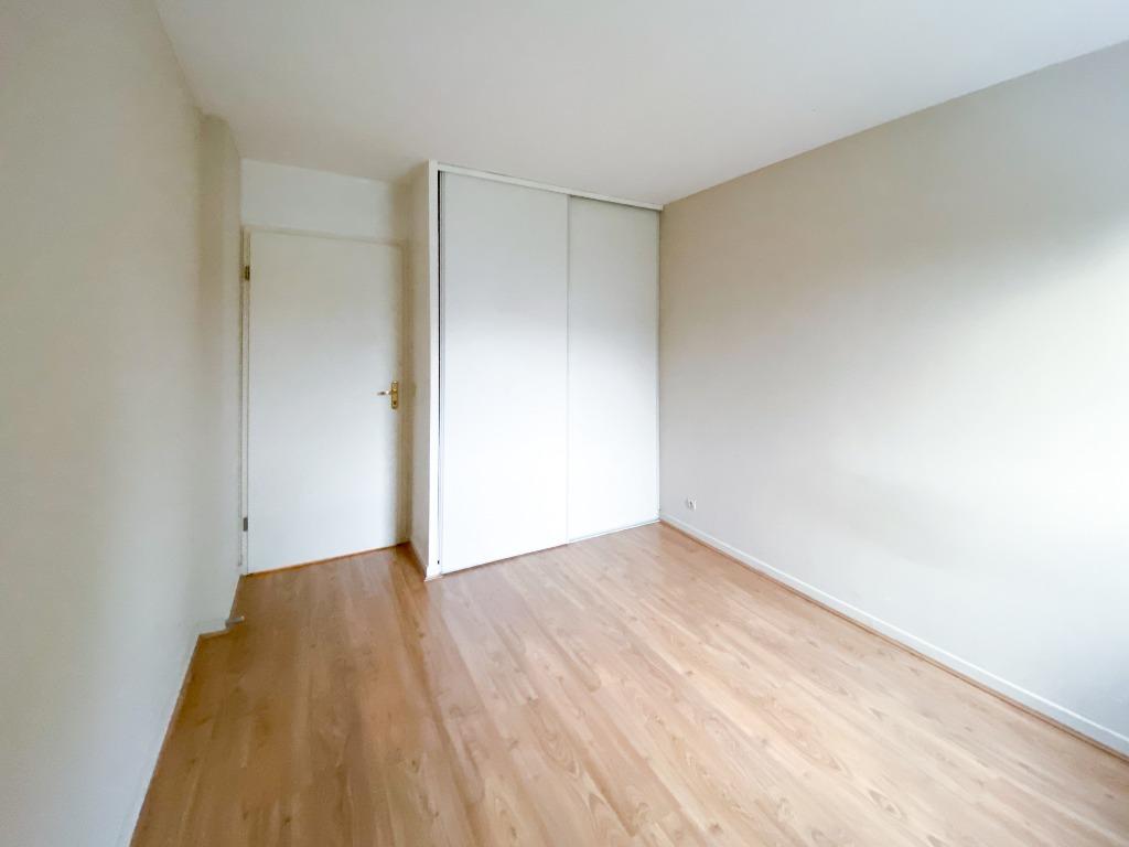Location appartement 59000 Lille - T3 non meublé Vieux Lille de 65m2