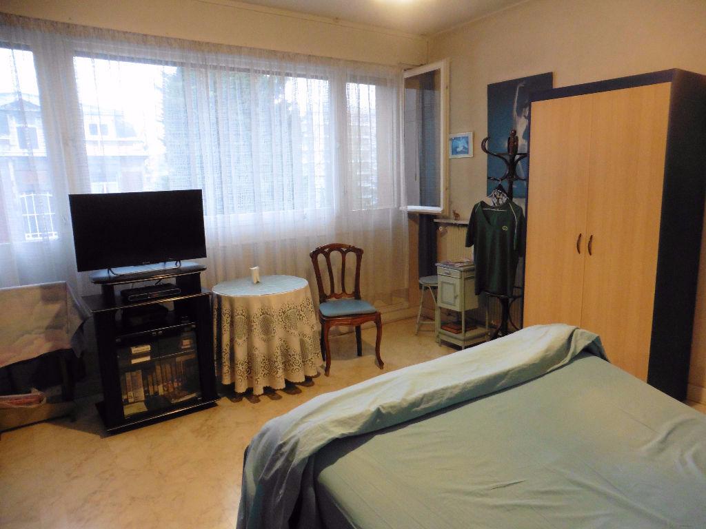 Lille Saint-Maur appartement 2 chambres, terrasse, garage