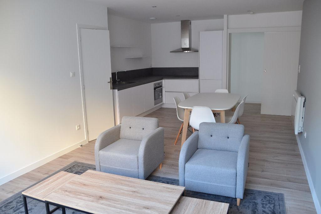 Vente appartement 59000 Lille - T4 en résidence récente.