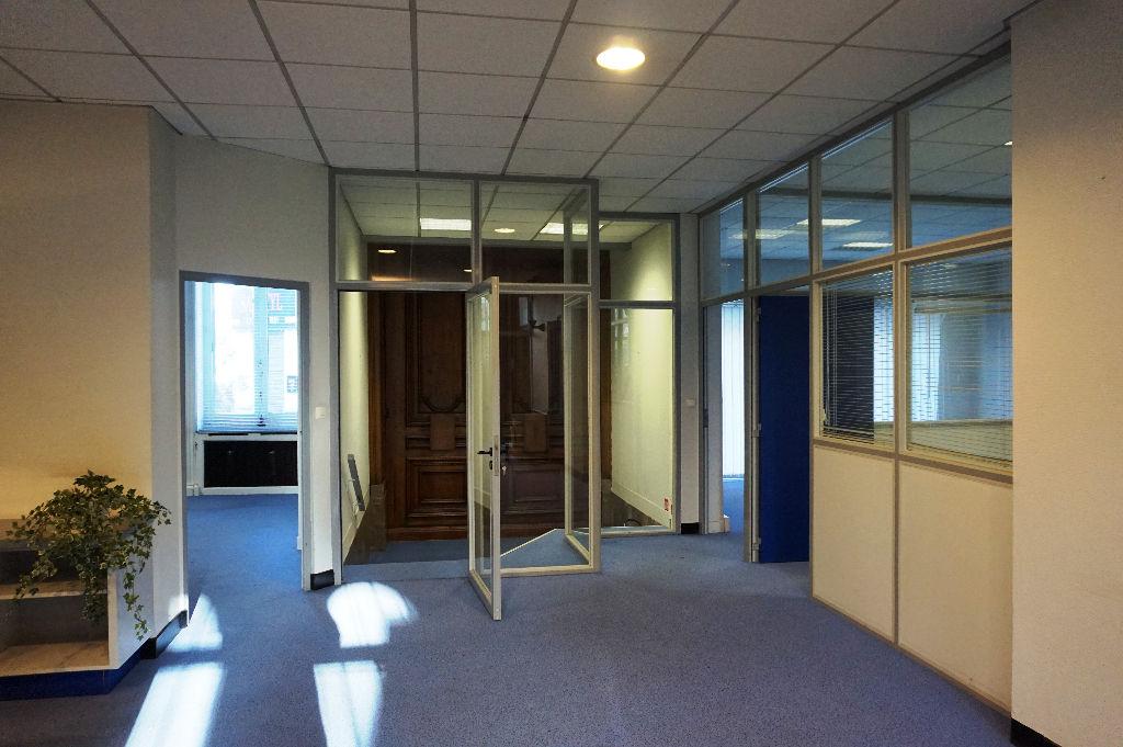 Vente maison 59100 Roubaix - Grande maison de 900 m² à Roubaix