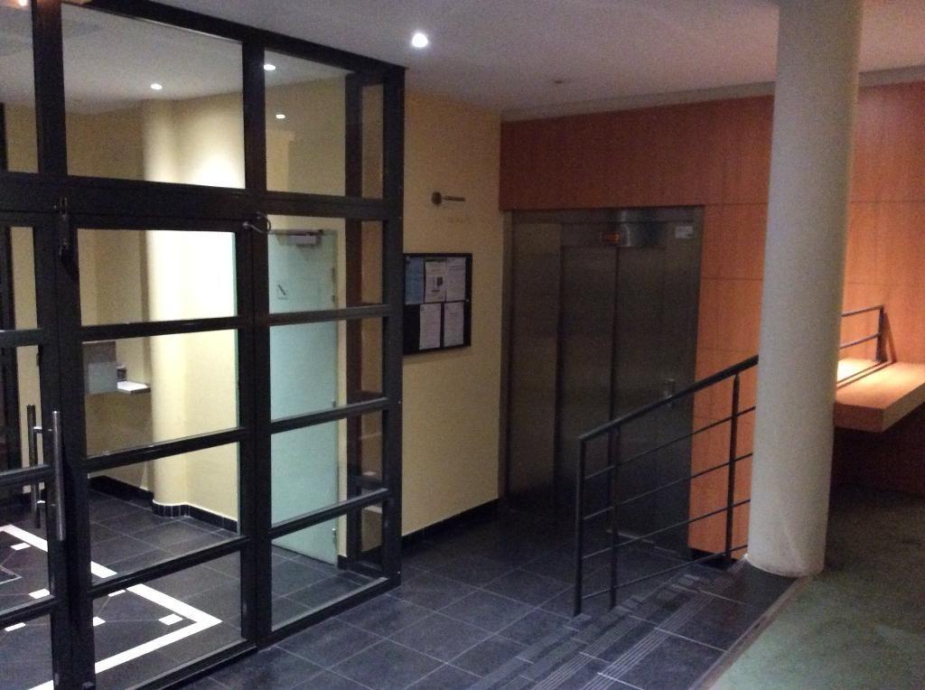 Vente appartement 59000 Lille - Vendu loué - T2 - 49 m² VIEUX LILLE + parking
