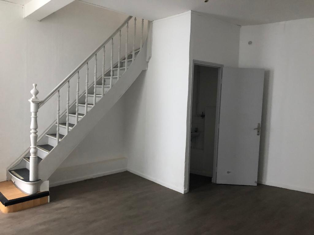 Vente appartement 59000 Lille - T3 Duplex Saint Michel avec cour