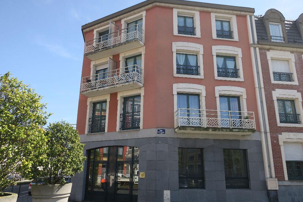 Vente appartement 59100 Roubaix - Top emplacement type 4 avec parking et terrasse