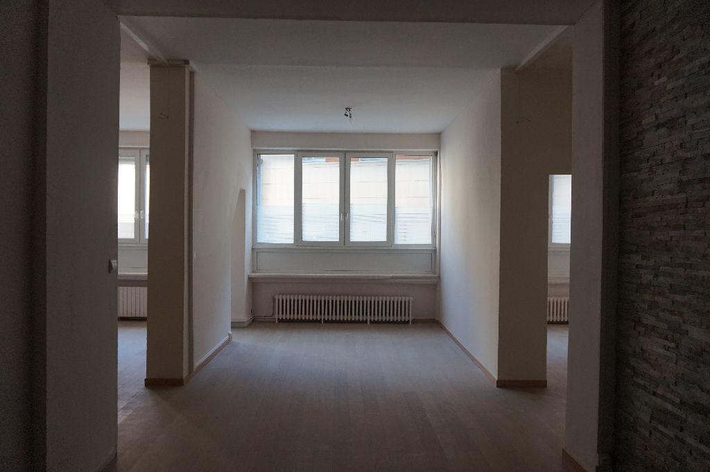 Vente maison 59000 Lille - Local commercial Lille 8 pièces 193 m²