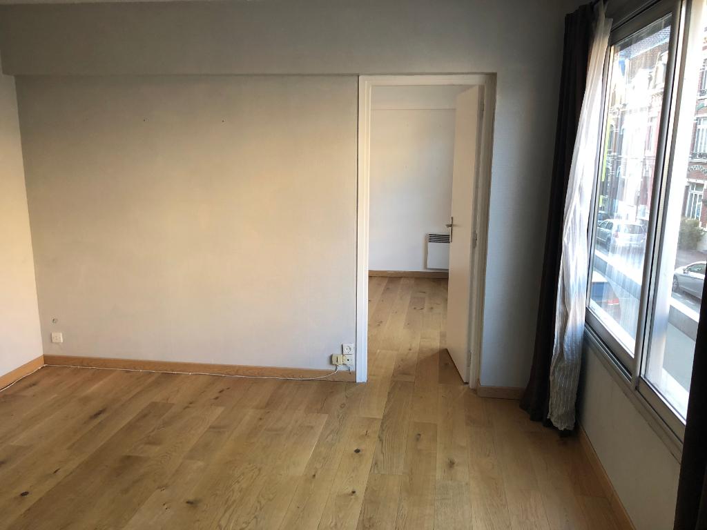 Vente appartement 59000 Lille - T2 Vauban avec possibilité d'achat de  Parking