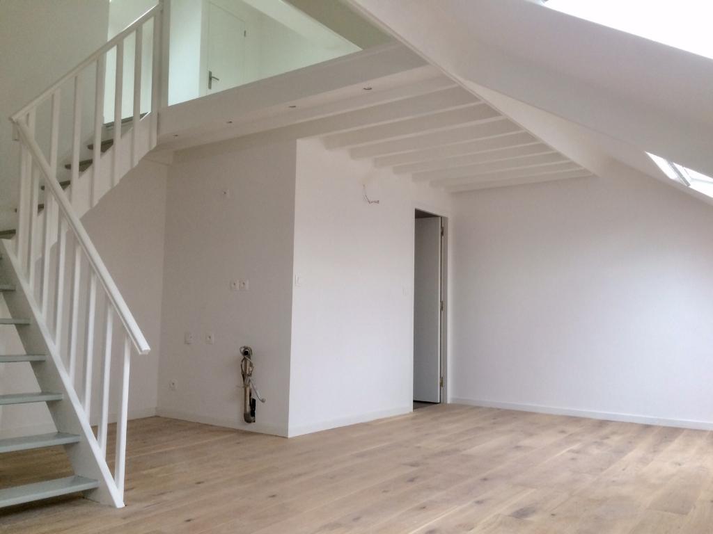Vente appartement 59000 Lille - Type 2 Duplex dernier étage République Saint Michel
