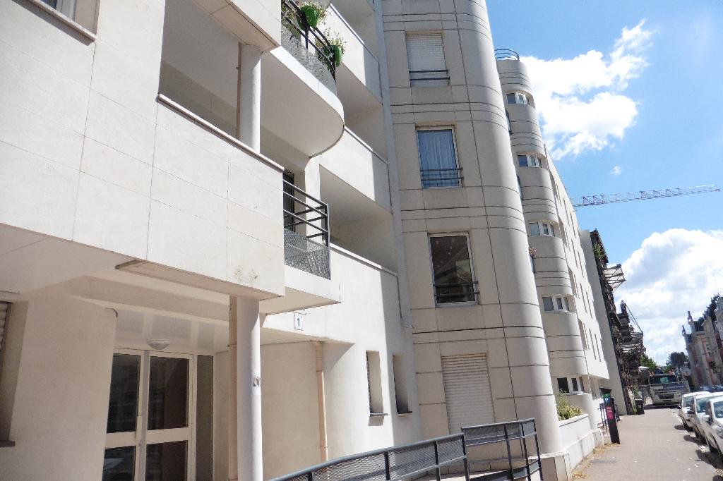 Exclusivité Place Philippe Lebon superbe T2