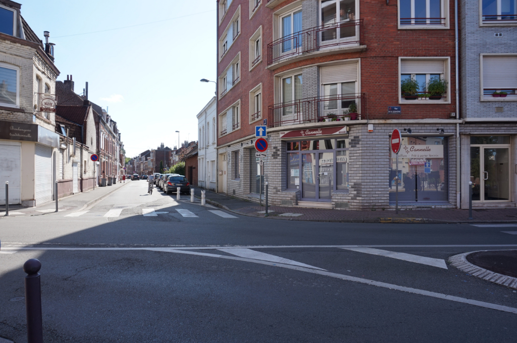 Local commercial Lille 1 pièce 81.71 m2