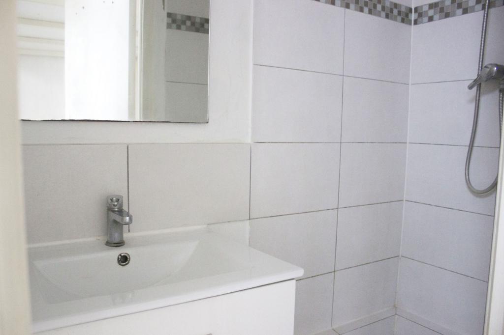 Appartement Lille 1 pièce(s) 22.89 m2 - Non meublé