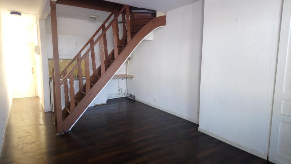 Vente appartement 59000 Lille - Rue des Stations - Dernier étage - 52 m² utiles