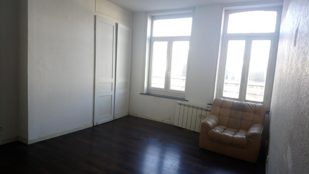 Rue des Stations - Dernier étage - 52 m² utiles