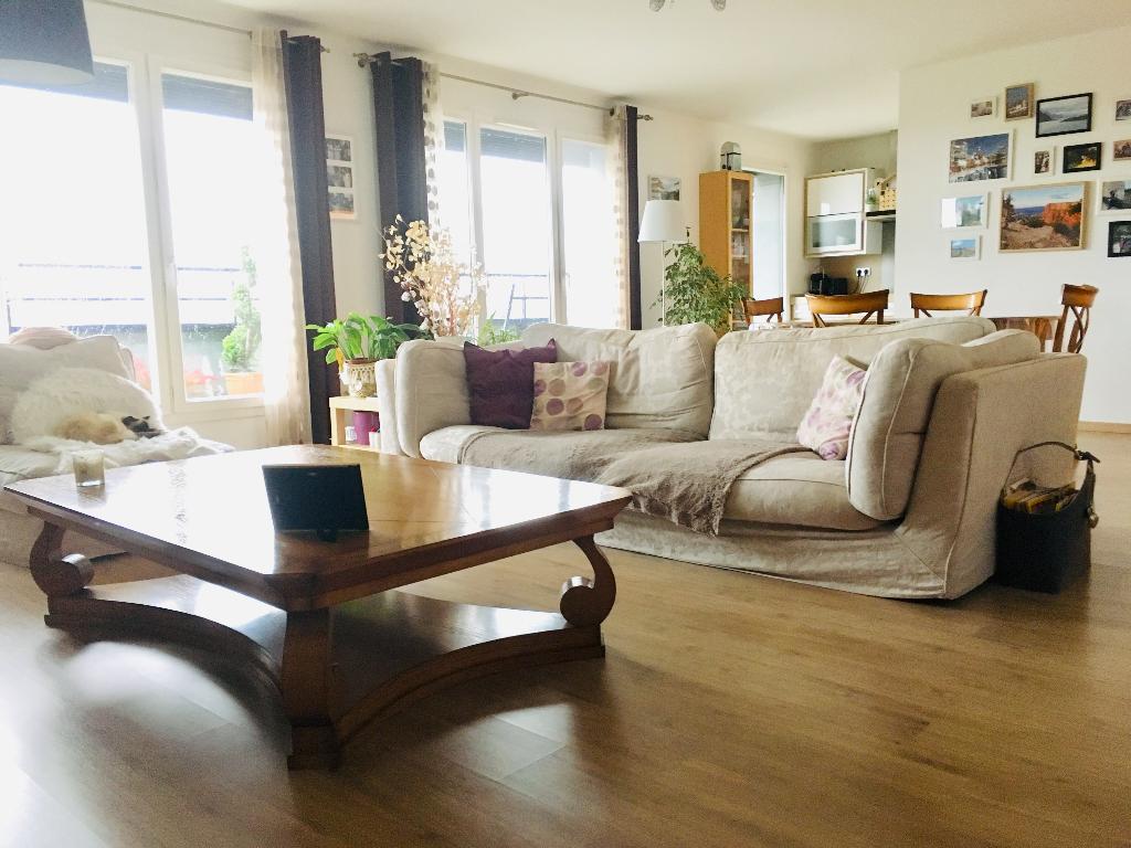 Vente appartement 59350 St andre lez lille - Saint André - Superbe Type 4 Terrasse et parking -